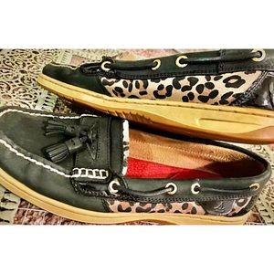 Sperry Tasseled Cheetah Topsiders !! ⛵️⛵️